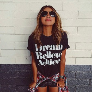 "CAMISETA ""Dream believe achieve"" blanca o negra"
