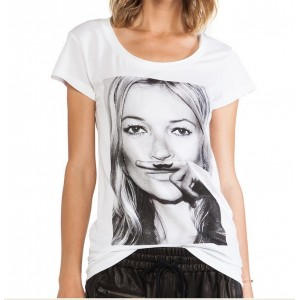 CAMISETA MOUSTACHE KATE